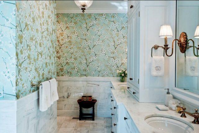Самоклеющаяся плёнка в ванной комнате