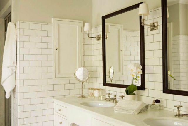 декор для белой плитки в ванной