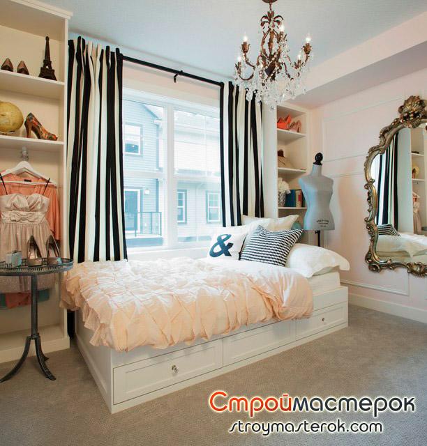 Напольное покрытие из мозаики в спальне