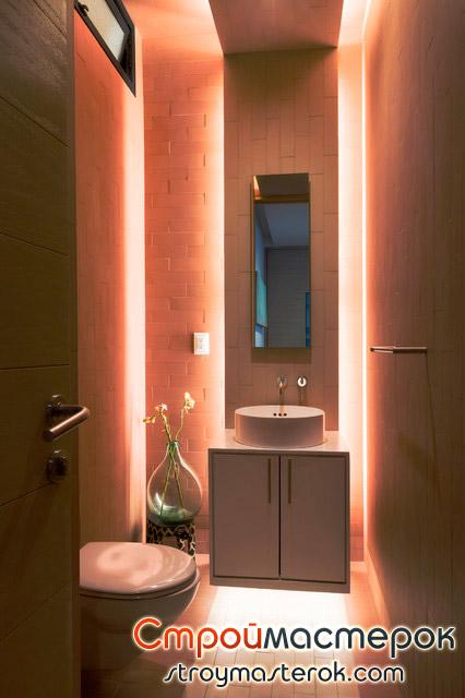 Освещение в маленькой ванной комнате