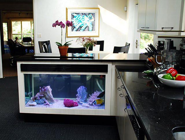 встроенный аквариум в кухню