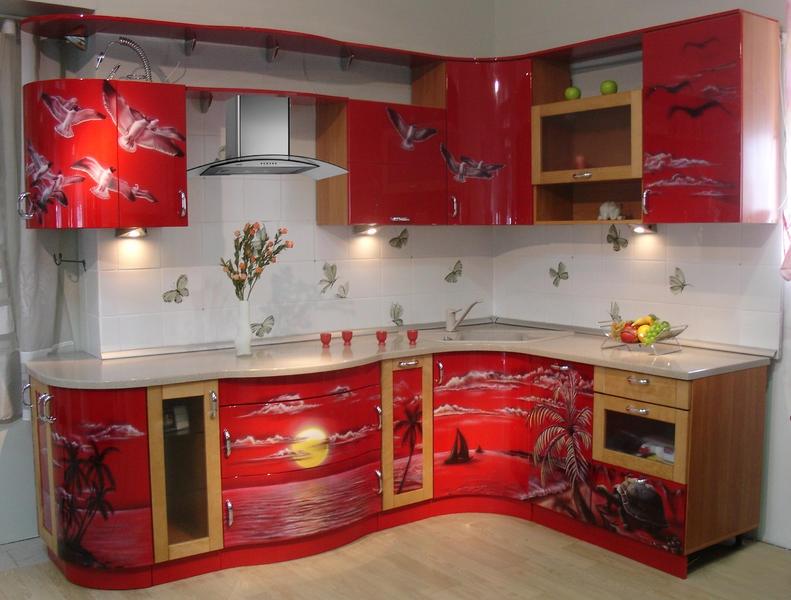 Золото и шик: как обновить кухню с помощью латуни