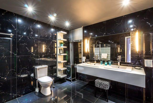 Ванная комната в чеpном цвете