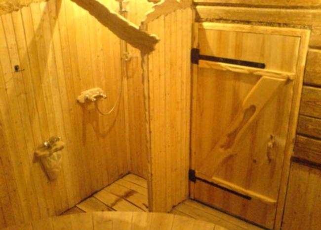 Как сделать дверь в баню самому