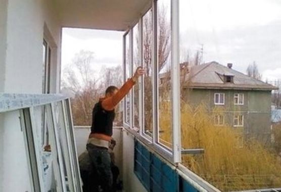 Остекление балкона своими руками: виды систем и технология р.
