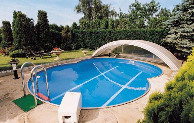 Открытый вид бассейна