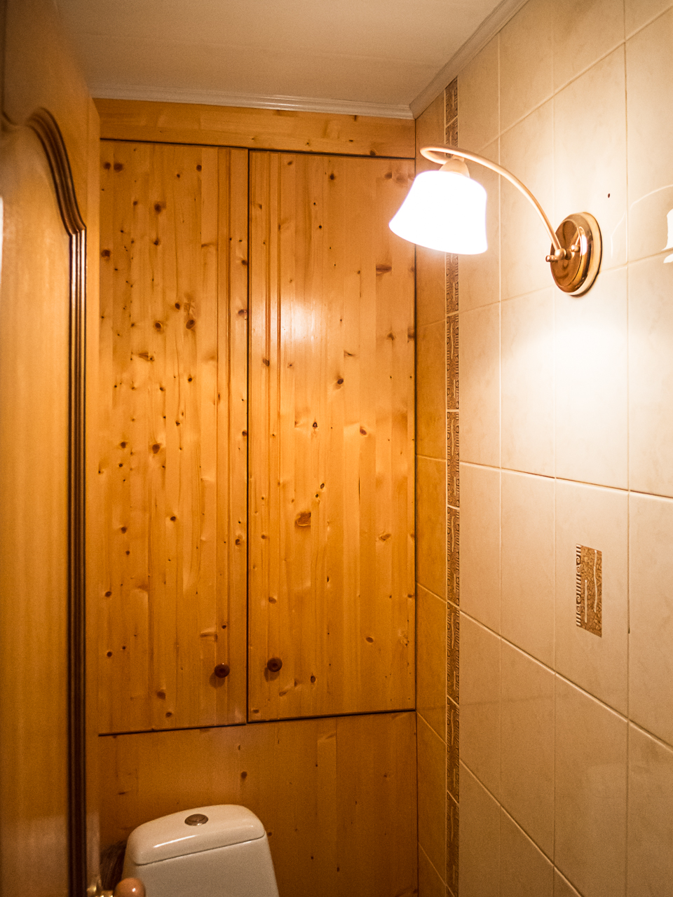 Как сделать дверь в туалет своими руками